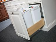 Wolf Classic: Waste Cabinet